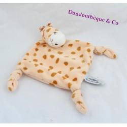 Doudou plat Gigi girafe CARREBLANC Carré Blanc tâches marron saumon 3 noeuds