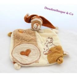 Doudou plat ours BABY NAT' marron beige bonnet coeur 28 cm