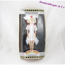 Poupée de collection Betty Boop tenue d'infirmière 32 cm