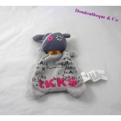 Doudou plat Monstre IKKS gris et rose broderie de noms