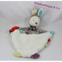 Doudou plat Tinoo lapin SAUTHON blanc beige prune vert grelot 35 cm