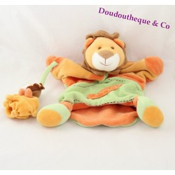 Doudou puppet lion Don and company with his orange green baby