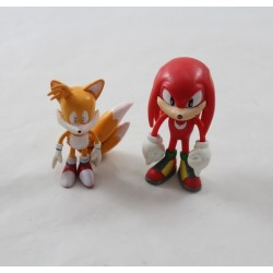 Lot of 2 figurines Sonic SEGA fox Tails and red hedgehog Knuckles video game